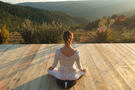 sao-viajes-naturales-mar-de-la-carrasca-yoga