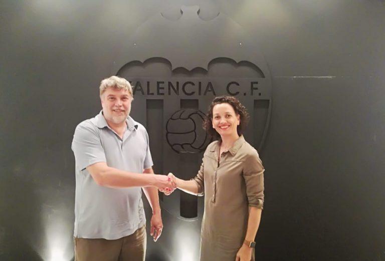 Herbolario Navarro y el Valencia Cf femenino renovando la colaboracion